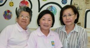 (左から)小野さん、西村さん、永露さん