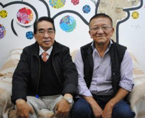 (左から)広瀬副会長と片山会長
