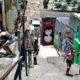 《リオ市近郊》ドゥケ・デ・カシーアス市=徹夜のファンクパーティーで、集団殺人事件が発生=武装集団と薬物密売組織の間の縄張り争いが原因か?