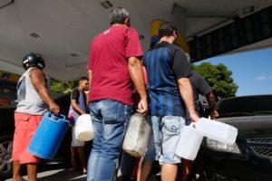 21日に始まったトラック・ストは市民生活から、企業活動全般に影響している。(Tania Lego/Agência Brasil)