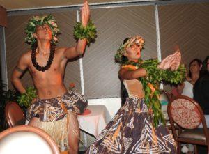ポリネシア・ダンスも