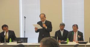 「日本語教育を恒久的に続けていくには10億円程度が必要だ」と力説した日下野理事長