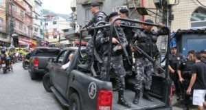 リオ市最大のスラム街、ロッシーニャの様子(Vladimir Platonow/Agência Brasil)