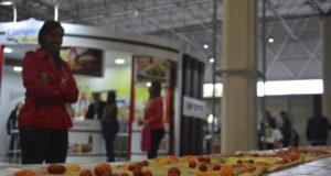 エクスポ・ピッツァリアに出品された40メートルのピッツァ(Rovena Rosa/Agencia Brasil)