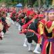沖縄移民110周年=熱狂! 総勢2千人の大パレード=若手中心に琉球文化で魅了=「多数の子弟参加に感動!」