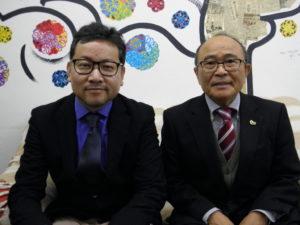 案内に来社した平田事務局長、大久保企画戦略委員長