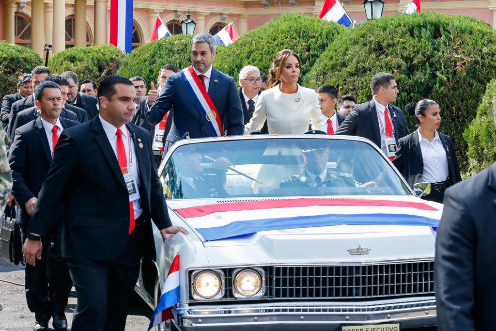 就任パレードの様子(Foto: Cesar Itiberê/PR)