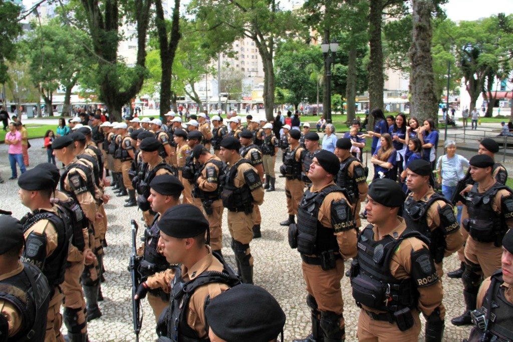 昨年12月、パラナ州都クリチーバでの特別警備にあたる同州軍警(Soldado Feliphe Aires)