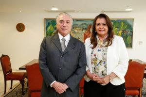 ベネズエラ人移民急増問題で、テメル大統領に支援を以来した時のスエリー・カンポス・ロライマ州知事(参考映像、17年10月、Alan Santos/PR)
