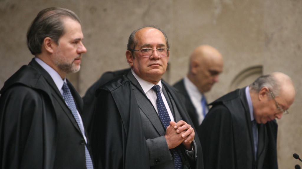 手前が9月から最高裁長官になるジアス・トフォリ判事、次がジルマール・メンデス判事(Foto: Nelson Jr./SCO/STF)