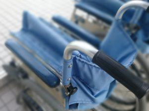 車椅子(参考写真)