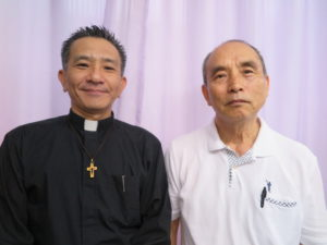 来社した徳弘牧師、徳植牧師