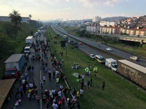 5月下旬にブラジル全土で発生したトラックストの様子(参考画像・Roberto Parizotti)