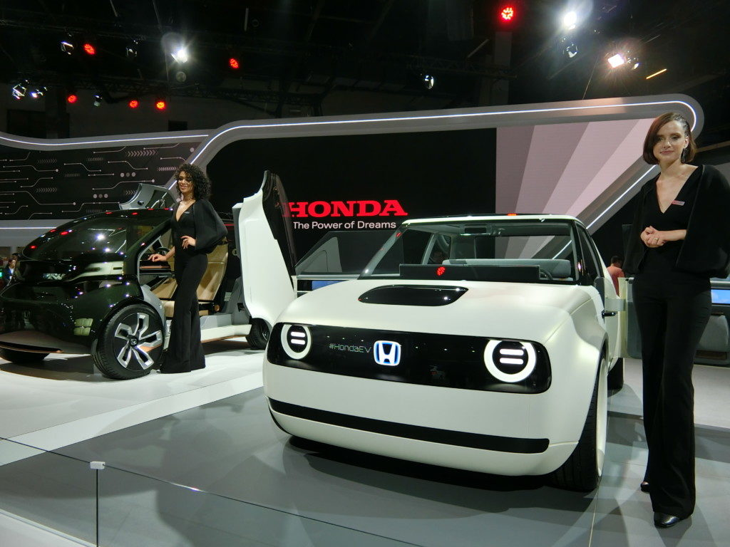 ホンダ自動車のコンセプトカー「NeuV」