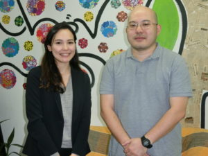 (左から)古川主任とヤマト商事の山上正幸さん