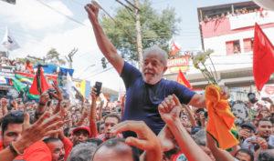 今年4月収監直前のルーラ元大統領(Ricardo Stucker)