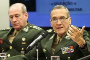 アゼヴェド氏(左)(Marcelo Camargo/EBC/FotosPúblicas)