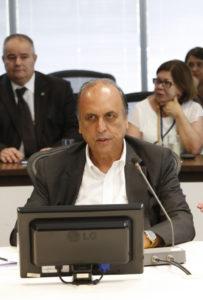 逮捕されたペゾン知事(Tomaz Silva/Agencia Brasil)