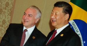 テメル大統領(左)と、中国の習近平総書記(Cesar Itibere/PR)