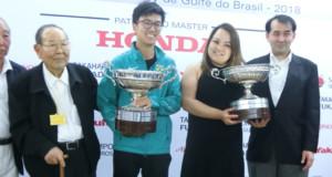男女スクラッチで優勝したイシイさんとカルラさん