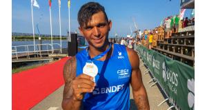 リオ五輪で大活躍したカヌーのイザキアス・ケイロスは好調を維持し、東京五輪も視界にとらえている。(Rodolfo Vilela/redesporte)