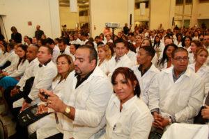 リオ・グランデ・ド・スル州に派遣されたマイス・メジコスの医師歓迎式典(2014年、ポルト・アレグレにて、Luciano Lanes/PMPA)