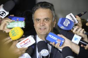 今年4月の最高裁審理で、収賄疑惑などで被告となる事が決まった直後のアエシオ上議(Jefferson Rudy/Agência Senado)