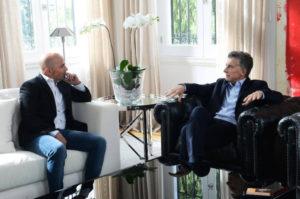 マクリ大統領(右・アルゼンチン大統領府)