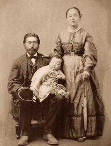 帰国後、カリフォルニアで学んだワイン醸造法を日本で広めた大藤松五郎とその家族と見られる写真(ARC提供写真)