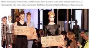 ボウソナロ氏の問題発言を英語で書いた段ボール紙を持って歩くモデルたち(15日付DWサイトの記事の一部)