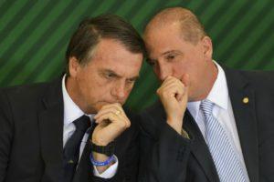 ボウソナロ大統領(左)と、ロレンゾーニ官房長官(Marcelo Camargo/Ag. Brasil)