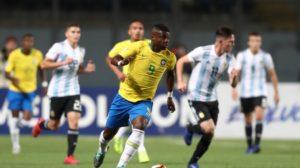 アルゼンチン相手に、一矢報いるPKを決めたフラメンゴのリンコン(Lucas Figueirado/CBF)