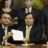 社会保障制度改革憲法改正案を下院議長に提出するボウソナロ大統領(Luis Macedo/連邦下院)