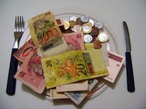 ひっ迫する州財政改善のため、公務員年金制度の改革は急務だ(参考画像・flickr Yuri_lima)