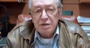 「ボウソナロの精神的指導者」オラヴィオ・デ・カルヴァーリョ(Olavo de Carvalho, From Wikimedia Commons)