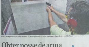 「ボウソナロ大統領の規制緩和の前から銃所持は容易だった」と伝える、10日付のフブラジル紙