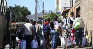 ブラジリアに到着したベネズエラ難民たち(Marcelo Camargo / Ag.Brasil)