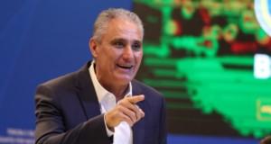 ブラジル代表招集メンバー発表会見のチッチ監督(Lucas Figueiredo/CBF)