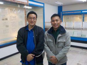 交流ネットの林事務局長(左)と大泉観光協会の中山事務局長