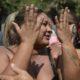 《リオデジャネイロ市》兵士たちが市民の車を強盗と誤認、80発の銃弾打ち込む