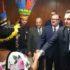 先住民たちと握手するボウソナロ大統領(大統領府PR)