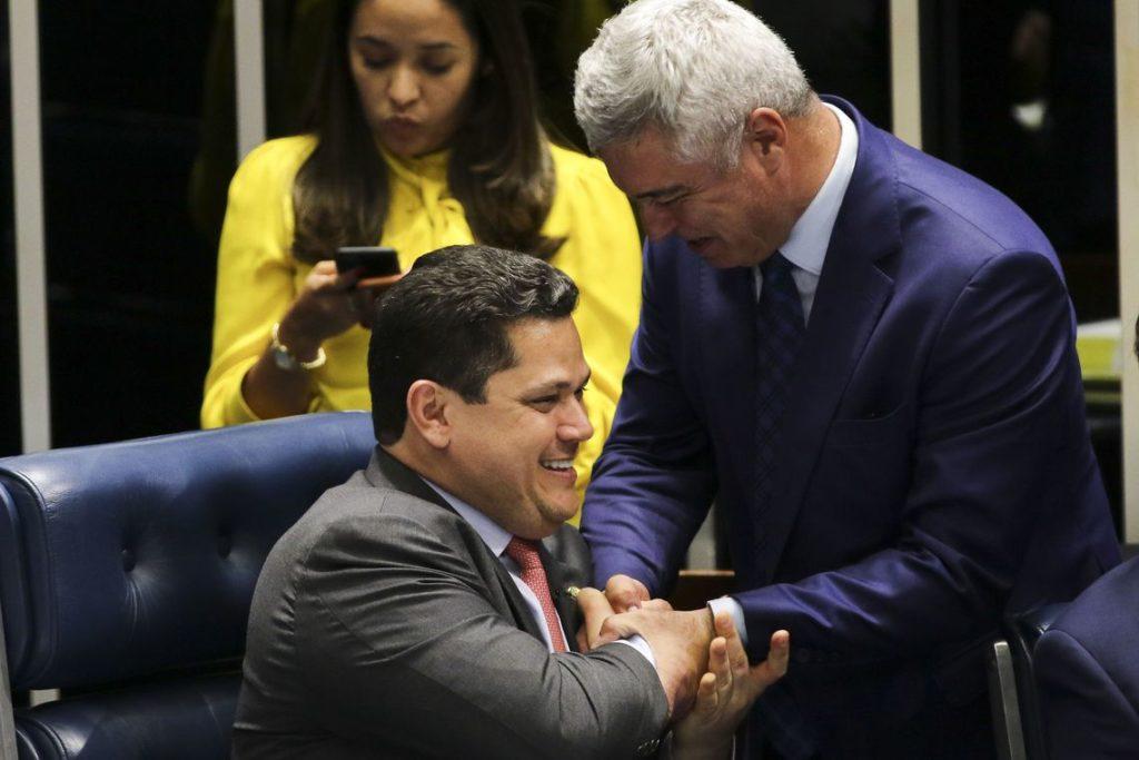 28日の上院での審議の様子(Fabio Rodriguez Pozzebom/Agencia Brasil)