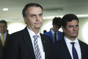 ボウソナロ大統領とモロ法相(Jose Cruz/Agencia Brasil)