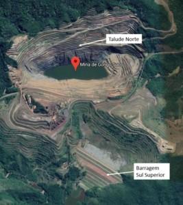 ゴンゴ・ソコ鉱山とスル・スペリオル鉱滓ダムの位置関係を示す航空写真(Vale/Divulgação)