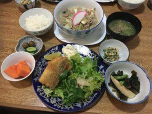 魚フライの日替わり定食