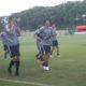 サッカー日本代表=公開練習で現地日本人と交流=750人が応援に集まる