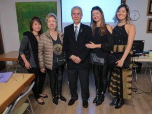 長女、マリザさん、菊地さん、次女、孫