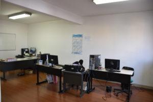 サンパウロ新聞3階記者室