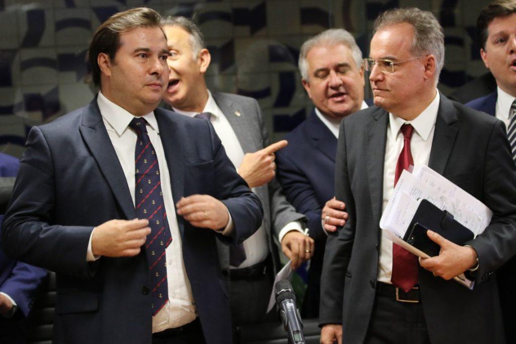 マイア議長(左)と、モレイラ報告官(右)(Fabio Rodrigues Pozzebom/Ag. Brasil)