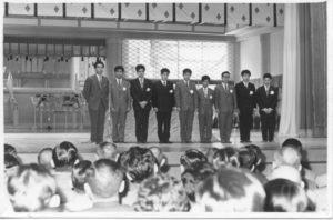 1962年に来泊された青年布教団。瑞雲郷の救世会館にて